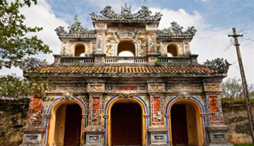 The imperial city of Hué