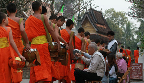 Groepsreis Thailand & Laos; Monniken en bountystrand