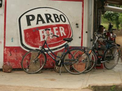 Shoestring: ReisKnaller: Suriname - 11 dagen; Fietsen in tropisch erfgoed