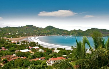 Nicaragua's Pacific and Caribbean coasts